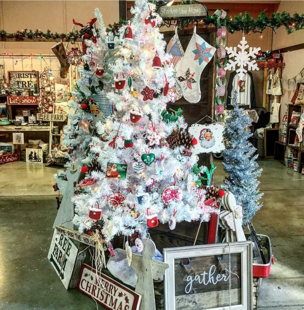 begin your holiday season at the annual country christmas faire november 23 25 at the nevada county fairgrounds the faire features four exhibit - Country Christmas